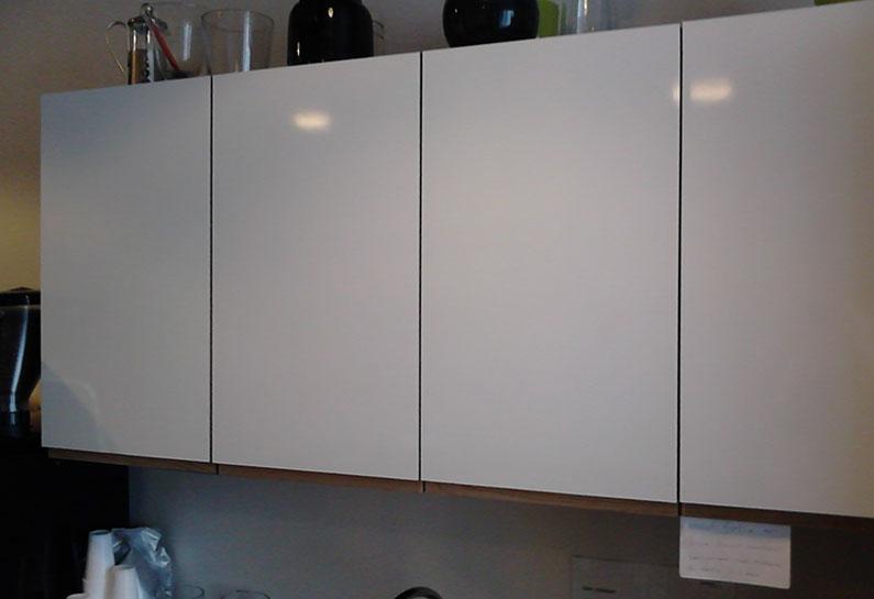 Sort køkken bliver hvidt